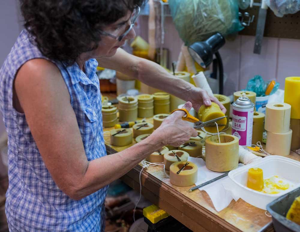 EM Gold Beekeepers Beekeeping candle studio Photo